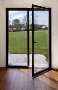 Electro mbh    Porte fenêtre battante en Aluminium